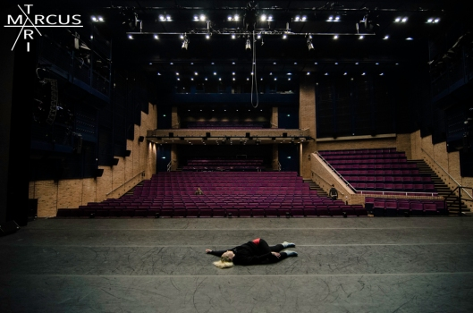 today we moved in theater, Detailed People will soon release hundreds of crazy pictures from the light rehearsal...